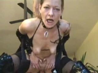 Casting amateur d une jolie brunette prise en double pene - 3 part 1