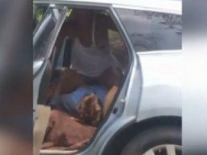 salope a foutre levrette en voiture